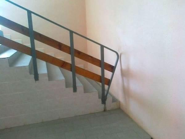 Лестница в стену