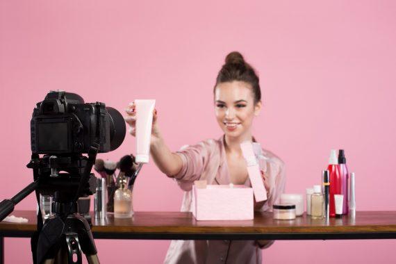 Реклама у блогеров: как не потратить бюджет впустую?